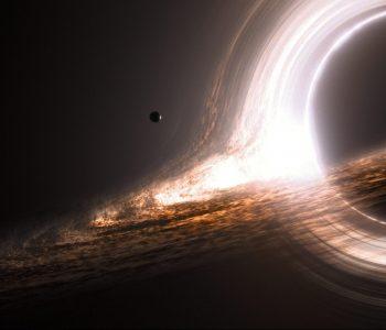 Representación de un agujero negro con disco de acreción