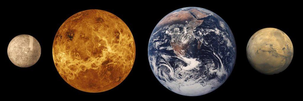 Venus y la Tierra junto a sus lunas