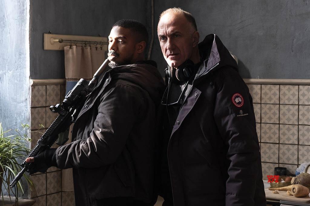 Michael B. Jordan junto a Stefano Sollima en el rodaje de 'Sin remordimientos'
